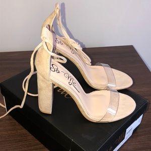 I am selling nude heels from Fashion Nova.